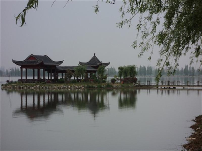 钟祥皇城社区莫愁湖畔风景